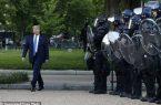 ترامپ انجیل را بر سر نیزه زد