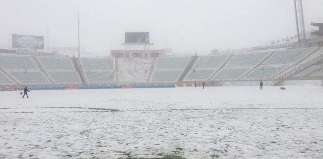 دیدار تراکتور-سپاهان به دلیل بارش سنگین برف در تبریز لغو شد