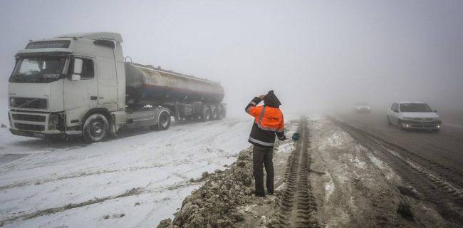 🔸ممنوعیت صدور بارنامه برای کامیونها تا ۴۸ ساعت/بارش برف تا ۴۰ سانتی متر در محورهای برف گیر