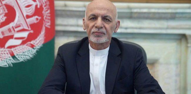 تلویزیون طلوع: اشرف غنی افغانستان را ترک کرد